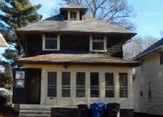 Foreclosed Home in Des Moines 50316 E 9TH ST - Property ID: 4384927485