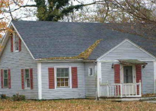 Foreclosed Home in Lebanon 40033 DANVILLE HWY - Property ID: 4384955522