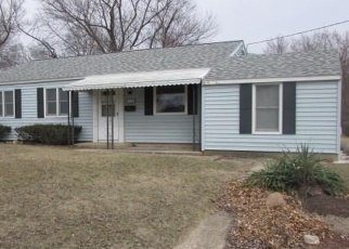 Foreclosed Home in Pekin 61554 SAINT CLAIR DR - Property ID: 4385076850