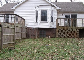 Foreclosed Home in Cunningham 37052 MARTHAS CHAPEL RD - Property ID: 4385138596