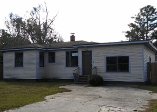 Foreclosed Home in Jacksonville 32218 BON AIR DR N - Property ID: 4385168823