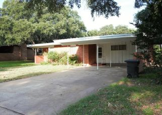 Foreclosed Home in Brady 76825 S CHINA ST - Property ID: 4385221816