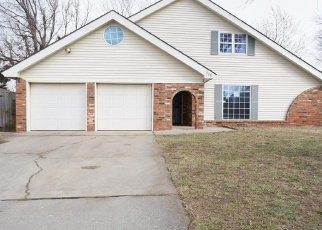 Foreclosed Home in Oklahoma City 73132 N DAVIS AVE - Property ID: 4385230122