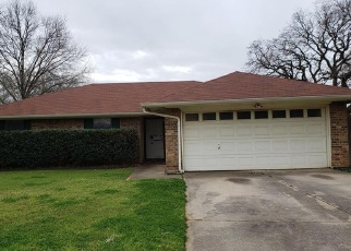 Foreclosed Home in Euless 76039 ALMOND LN - Property ID: 4385267805