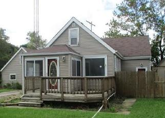 Foreclosed Home in Racine 53405 ILLINOIS ST - Property ID: 4385298901