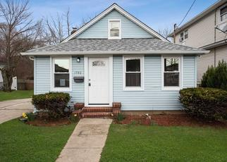 Foreclosed Home in Merrick 11566 MEADOWBROOK RD - Property ID: 4385409706