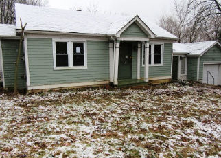 Foreclosed Home in Fenton 63026 SALINE RD - Property ID: 4385455694