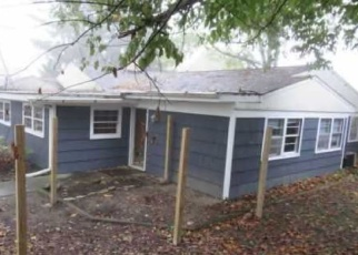 Foreclosed Home in Peoria 61614 W BARRINGTON RD - Property ID: 4385549415