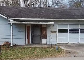 Foreclosed Home in Middlesboro 40965 DUNLAP HOLLOW RD - Property ID: 4385837150