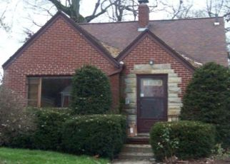 Foreclosed Home in Toledo 43606 DOUGLAS RD - Property ID: 4385879201