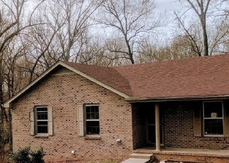 Foreclosed Home in Clarksville 37040 WARREN CIR - Property ID: 4386322435