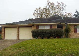 Foreclosed Home in Deer Park 77536 MARK ST - Property ID: 4387112994