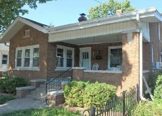 Foreclosed Home in Morton 61550 N 3RD AVE - Property ID: 4387120875