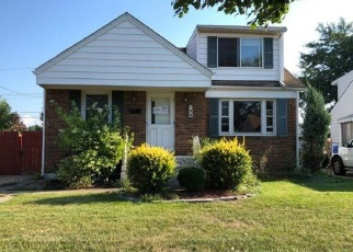 Foreclosed Home in Buffalo 14225 MCNAUGHTON AVE - Property ID: 4387162916