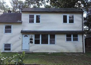 Foreclosed Home in East Islip 11730 BEECHER AVE - Property ID: 4387468171