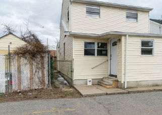 Foreclosed Home in Staten Island 10305 SIOUX ST - Property ID: 4387499718