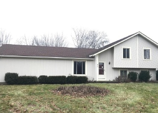 Foreclosed Home in Rochester 14612 W BEND DR - Property ID: 4387577678