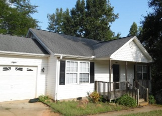 Foreclosed Home in Belton 29627 BERRY CT - Property ID: 4387633736