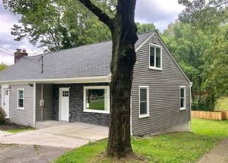 Foreclosed Home in Bethany 06524 LITCHFIELD TPKE - Property ID: 4387674462
