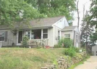 Foreclosed Home in Peoria 61603 E LONDON AVE - Property ID: 4387774317