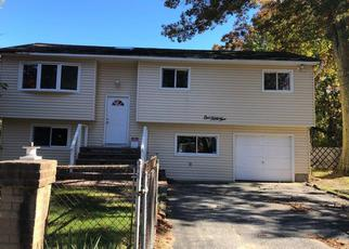 Foreclosed Home in West Babylon 11704 GOVERNOR AVE - Property ID: 4387799733