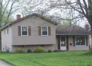Foreclosed Home in Olmsted Falls 44138 REDWOOD DR - Property ID: 4387922353