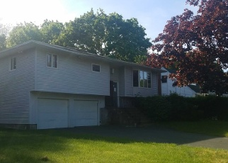 Foreclosed Home in Bellport 11713 COLONIAL LN - Property ID: 4388021334