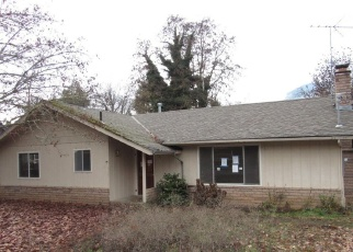 Foreclosed Home in Rogue River 97537 PINE ST - Property ID: 4388109370