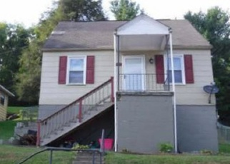 Foreclosed Home in Bluefield 24605 VIRGINIA AVE - Property ID: 4388125128