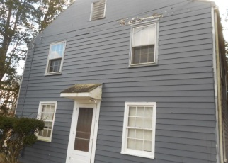 Foreclosed Home in Bridgeport 06610 DUPONT PL - Property ID: 4388592906