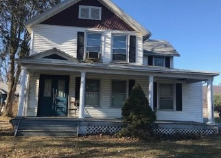 Foreclosed Home in Highland 12528 VINEYARD AVE - Property ID: 4388594199