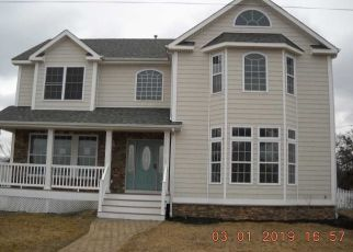 Foreclosed Home in Bayport 11705 FENIMORE RD - Property ID: 4388617420