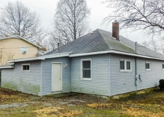 Foreclosed Home in West Frankfort 62896 E SAINT LOUIS ST - Property ID: 4388710717