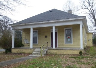 Foreclosed Home in Fulton 42041 WEST ST - Property ID: 4388752313