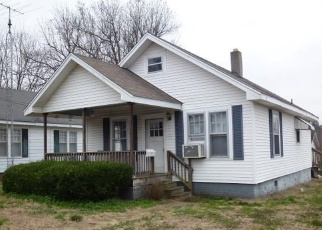 Foreclosed Home in Fulton 42041 2ND ST - Property ID: 4388754508