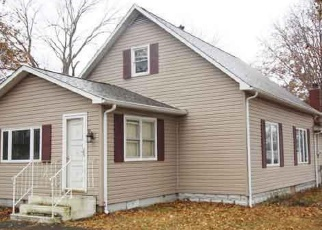 Foreclosed Home in Sandoval 62882 HARRISON AVE - Property ID: 4388852615