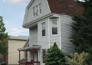 Foreclosed Home in Newark 07103 S 18TH ST - Property ID: 4388941971