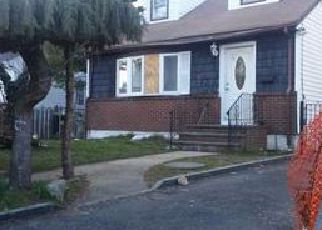 Foreclosed Home in Hempstead 11550 WILLOW AVE - Property ID: 4388960802