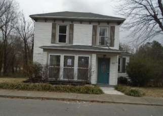 Foreclosed Home in South Boston 24592 TRAVER AVE - Property ID: 4389029559
