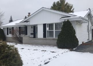 Foreclosed Home in Cudahy 53110 S NICHOLSON AVE - Property ID: 4389035692