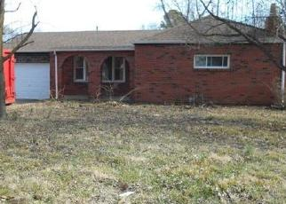 Foreclosed Home in East Saint Louis 62206 HOWELL AVE - Property ID: 4389053650