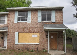 Foreclosed Home in Jacksonville 32211 TROLLIE LN - Property ID: 4389112328