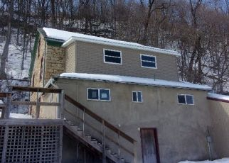 Foreclosed Home in Guttenberg 52052 S BLUFF ST - Property ID: 4389151756
