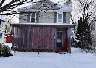 Foreclosed Home in Jamestown 14701 GENEVA ST - Property ID: 4389307225