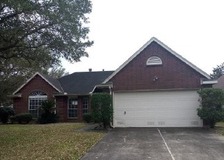 Foreclosed Home in Pearland 77584 N PEACH HOLLOW CIR - Property ID: 4389375104
