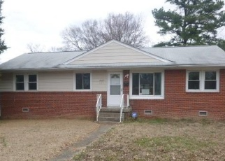 Foreclosed Home in Petersburg 23805 WARREN ST - Property ID: 4389411917