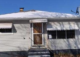 Foreclosed Home in Cleveland 44111 VICTORY BLVD - Property ID: 4389497757