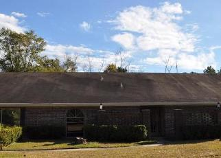 Foreclosed Home in Silsbee 77656 MATHEWS RD - Property ID: 4389534541