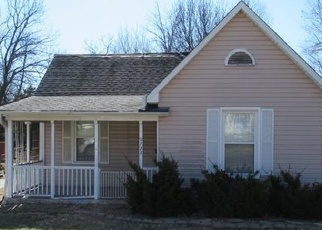 Foreclosed Home in Saint Louis 63114 MIDLAND BLVD - Property ID: 4389589728