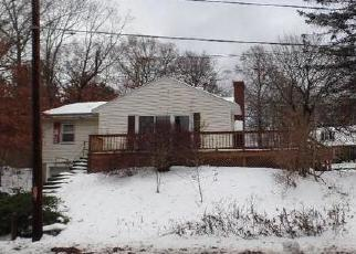 Foreclosed Home in Ashland 01721 WAVERLY ST - Property ID: 4389605492